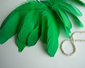 VOGUE GOOSE  Loose Feathers , Kelly Green   / 289 / BOGO