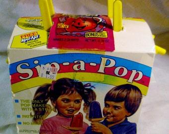 Vintage 1980s Kool Aid Brand Sip-a-Pop Frozen Pop Treat Maker Set NIP