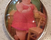 Oval Pendant - Botero Lady