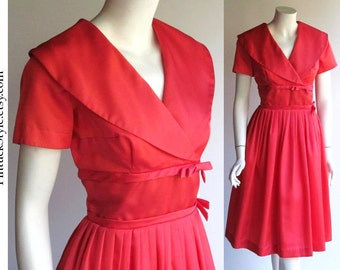 SALE..Mad Men Vintage 50s Dress / Full Skirt by Betty Barclay / 1950s Dress Rockabilly Pin Up Bombshell Retro / VLV / Small size 6 or size 8