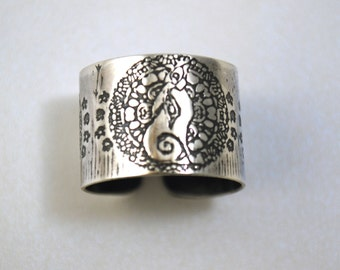 adjustable etched silver moongazing hare ring oxidised - Pagan Wedding Rings