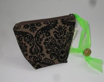 Big Bottom Zip Pouch - Zipper Pouch - Zip Bag - Gadget pouch - Coin Pouch - Small wristlet - Princess Pouch