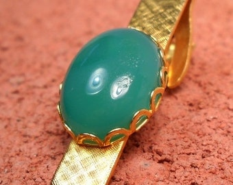 TIE TACK with Natural Stone, Mens tie clip with Jade, Light green colored jade set in gold tone tie clip, tie clip, tie tack, tie stay