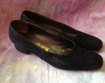 Vintage 1980s Ferragamo Flats Pumps Shoes Black Velvet Leather Size 8