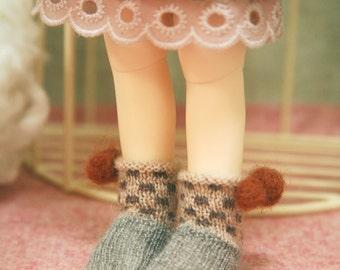 jiajiadoll- Hand Knit- brown dot pompom socks fits YoSD 1/6 BJD