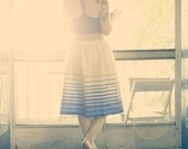 70s Cream & Blue Pleated Skirt, Vintage, size S/M
