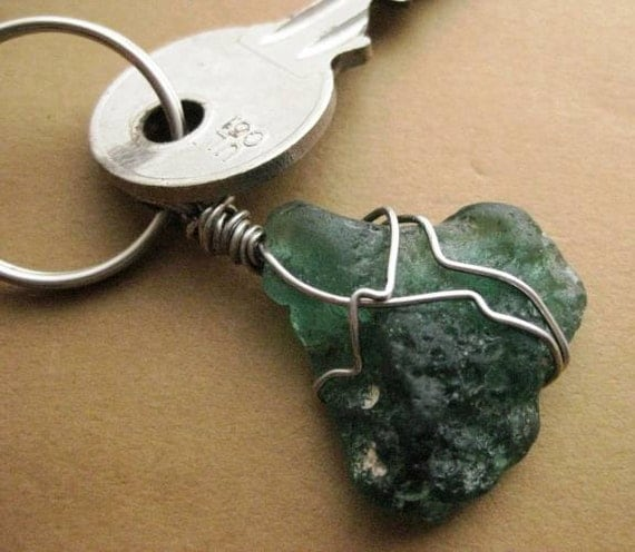 Irish Keychain. Seaglass from Ireland. Vintage Teal Beach Glass Keychain