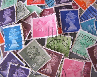 50 x Queen Elizabeth Assorted Colors British Postage Stamps from United Kingdom