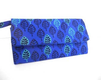 Wallet / Wristlet / Cell Phone / Checkbook / Bridesmaid Gifts / Blue & Aqua Leaves with Dots