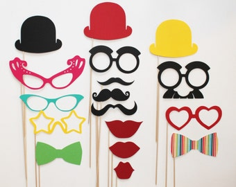 Circus Photo Booth Props - 17 piece set - Birthdays, Weddings, Parties - Photobooth Props