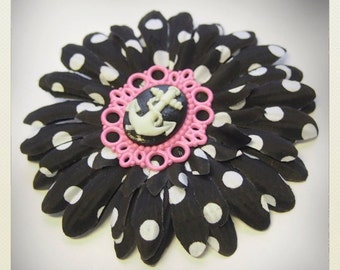 Pin Up-style polka dot Hair flower with anchor