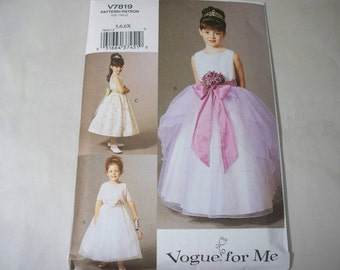 New Vogue, Flower Girl Dress  Pattern, V7819 (5,6,6X)  (Free US Shipping)