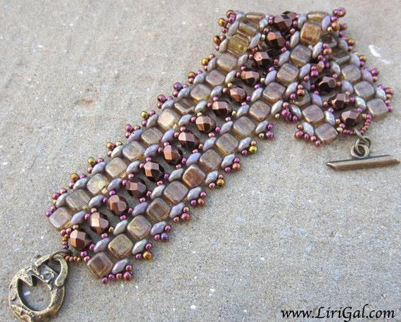 Gold Tresure. SuperDuo and Tile Beadwork Bracelet