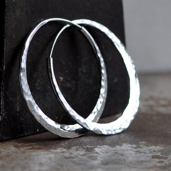 hammered hoop earring silver  1 1/2 inches  endless style hoop medium