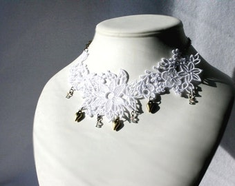 Majestic BRIDAL NECKLACE Vintage Inspired - White - Heart - Swarovski Crystals - Wedding - Free Standing Lace Embroidery