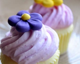 Cupcake Soap - Spring Daisy Vegan Cupcake Soap - Dessert - Fake Food - Bakery Soap - Spring - Easter - Gift - Birthday - Gift for Mom