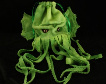 CTHULHU Ed Dice Bag- gadget bag- wristlet purse- drawstring pouch /DnD Warcraft  SciFi Convention Lovecraft fans magic cards-made to order