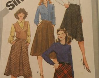 Bias Skirts Optional Yoke Inverted Pleat Size 12 Simplicity 5174