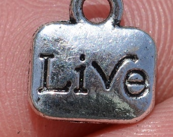 10  Silver LIVE Charms SC2092