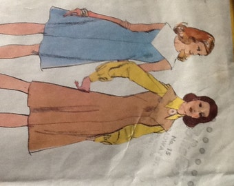 Vintage Simplicity Pattern 5502  Dress or Jumper long or short sleeves 1973