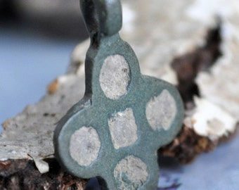 ANTIQUE little cross...  most likely XVII century...   vintage cross... JEWELRY...  131
