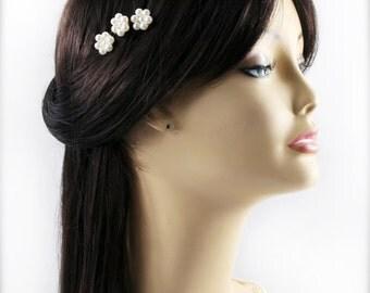 Pearly hair pin x 3