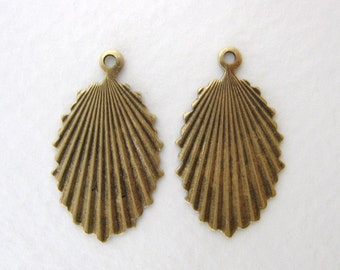 Antiqued Brass Deco Fan Drop Pendant Stamping Finding 26mm drp0043 (4)