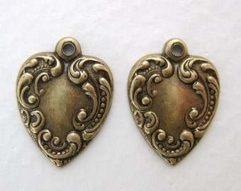 Antiqued Brass Ox Heart Charm Embossed Victorian Style 17mm chm0175 (8)
