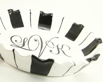 Monogrammed Pie Plate - Personalized Pie Plate - Pie Dish with Stripes - 3 Letter Monogram Pie Dish - Wedding Monogram Pie Plate