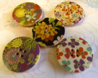 Large Set of  Mix Flower Painted  Wood Buttons