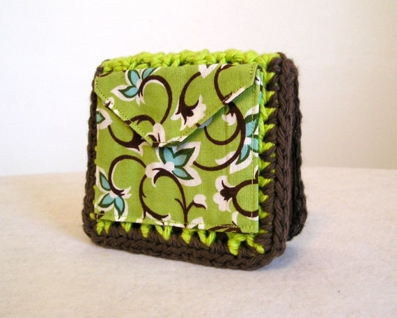 CLEARANCE 50% off, Kiwi green and chocolate brown small wallet, crocheted