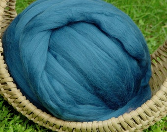 Merino Wool Roving, teal, 4 ounces