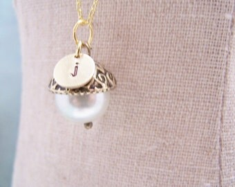 ONE Personalized Pearl Acorn Necklace in Elegant Ivory. Bridesmaid. Friendship. Love. Peter Pan. Wendy. Kiss