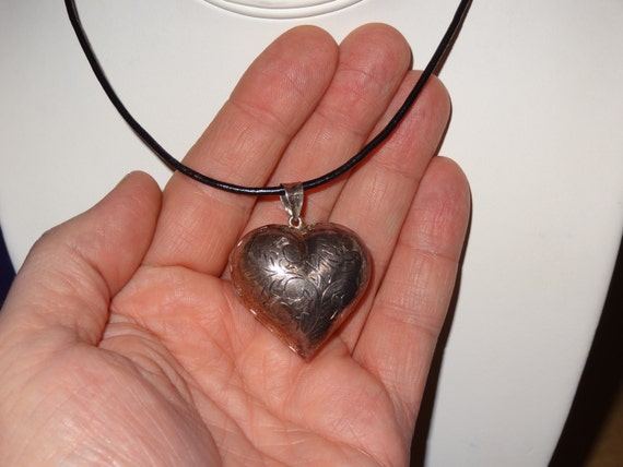 Vintage Sterling Silver Puffy Heart Locket Pendant Necklace