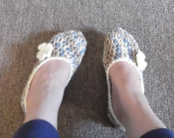 Crochet House Slippers with Flowers - Mirage & Off White - size 6 - ready to ship
