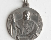 Large vintage Religious Medal -- pope Pius XI - 1925