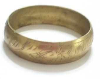 Vintage Etched Stamped Brass Floral Botanical Bangle Bracelet