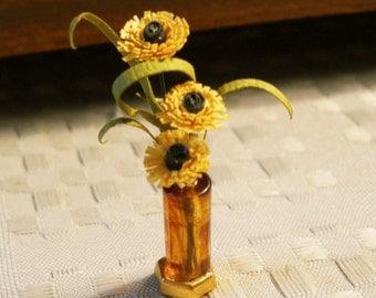 1/12 Scale (Dollhouse) Black Eyed Susans in an Amber Vase Flower Arrangement - Indoor Fairy Garden
