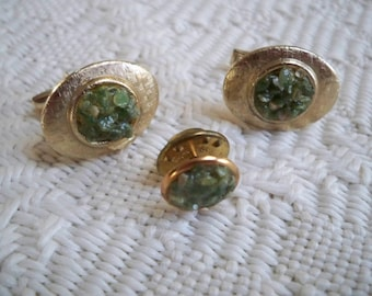 Vintage Jewelry Men's Green Stone Cuff Link and Tie Tack Set