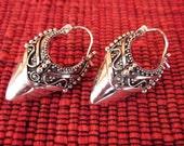 Balinese Sterling Silver Traditional Style Hoop Earrings / silver 925 / Handmade Granulation Jewelry / 1 inch long / (#10m)