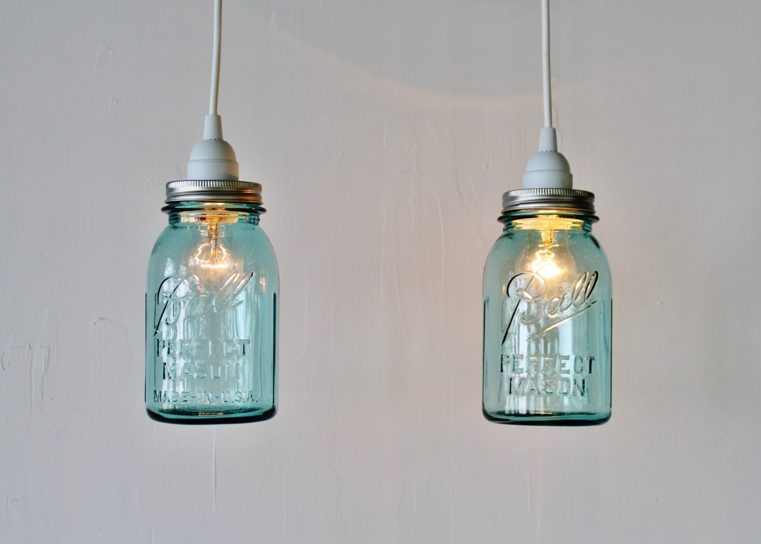 2 mason jar pendant lights pair of hanging pendant lamps with for Hanging lights made from mason jars
