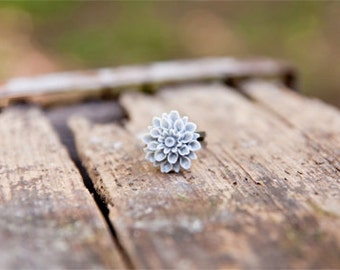 Grey Flower Chrysanthemum Ring // Bridesmaid Gifts // Bridesmaid Rings // Vintage Wedding // Rustic Wedding