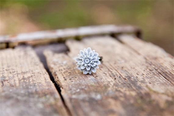 Grey Flower Chrysanthemum Ring // Bridesmaid Gifts // Bridesmaid Rings // Vintage Wedding // Rustic Wedding