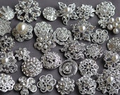 SALE 10 Large Assorted Rhinestone Button Brooch Embellishment Pearl Crystal Button Wedding Brooch Bouquet Cake Hair Comb BT165