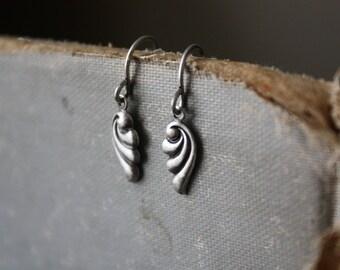 Art Nouveau Swirl Earrings