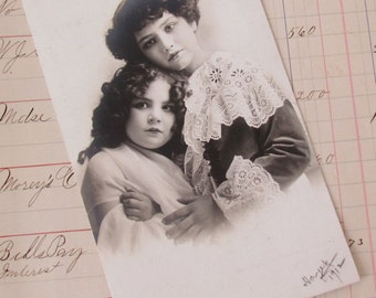 1912 Photo - Pretty Edwardian Boy and Girl - Signed    M250