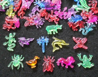 100 pcs Assorted Acrylic Animal Embellishment mix colors