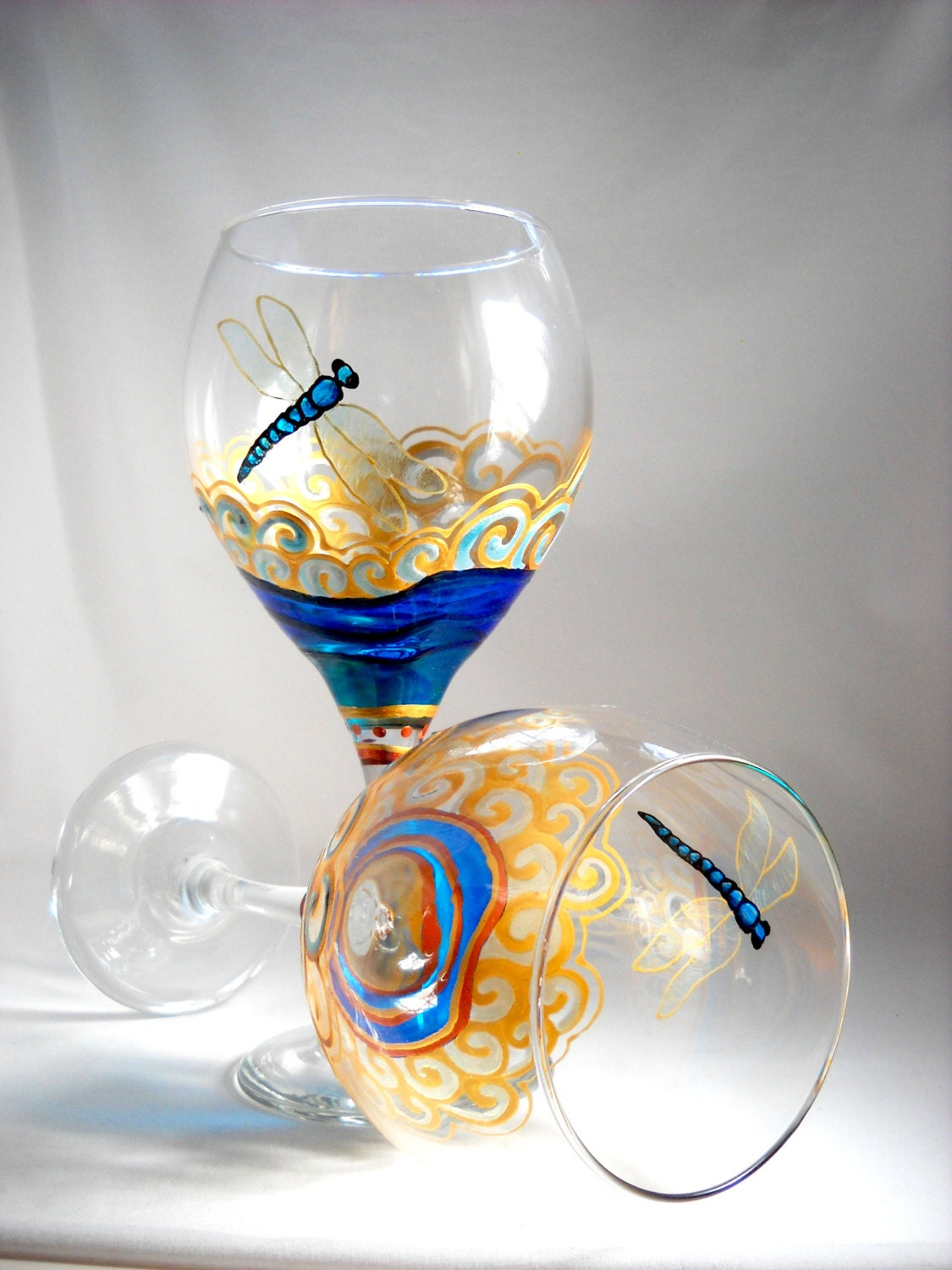 Dragonfly glassware blue dragonfly wine glasses hand painted for Hand designed wine glasses
