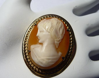 Vintage Hand Carved Shell Cameo Brooch or Pendant on Etsy