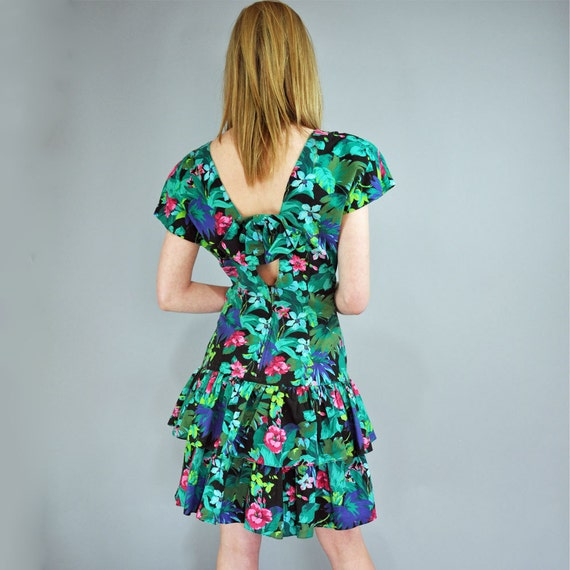 vintage 80s dress RUFFLE DRESS Sun Dress / Floral Drop Waist Dress w/ Full Skirt / Cutout Back mini sun dress S / M